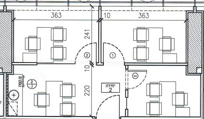 בסר4 קומה 24 BDI יחידה 2 במסדרון.עם מידות