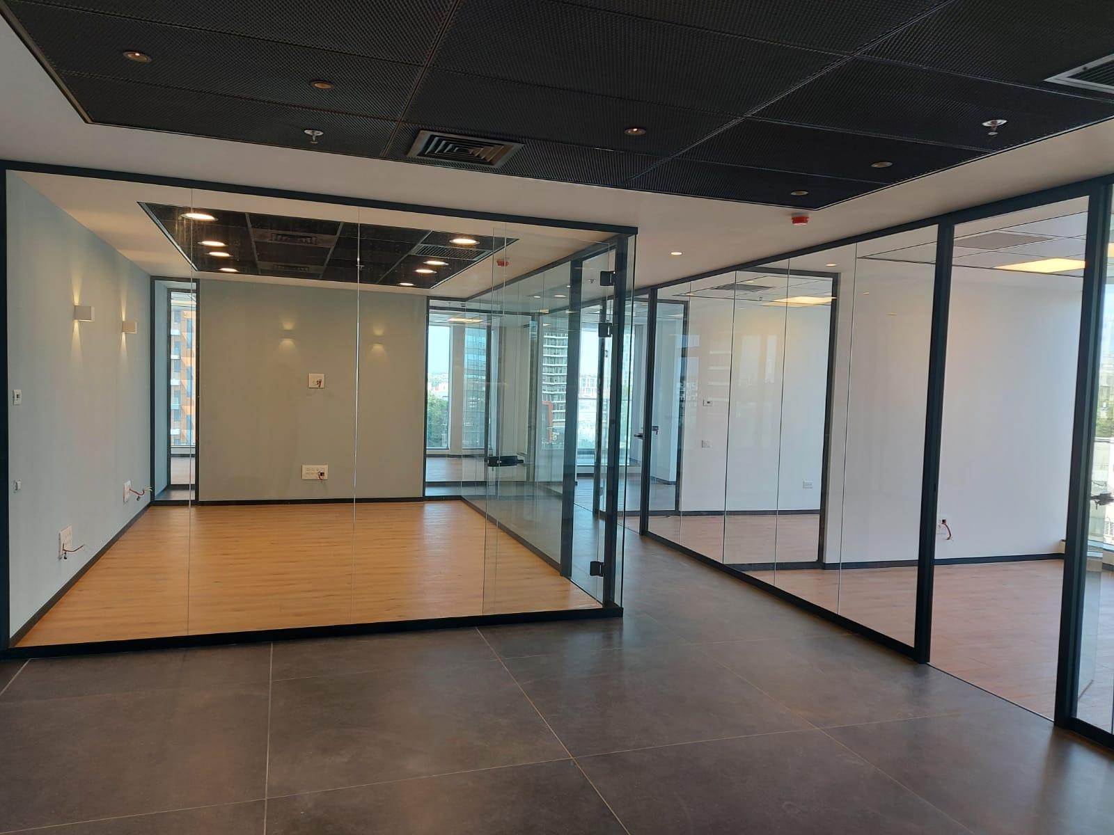 8חדרים כולל חדר ישיבות